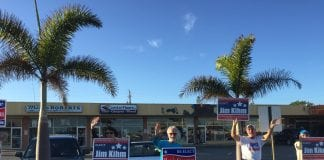 Holmes Beach election waving