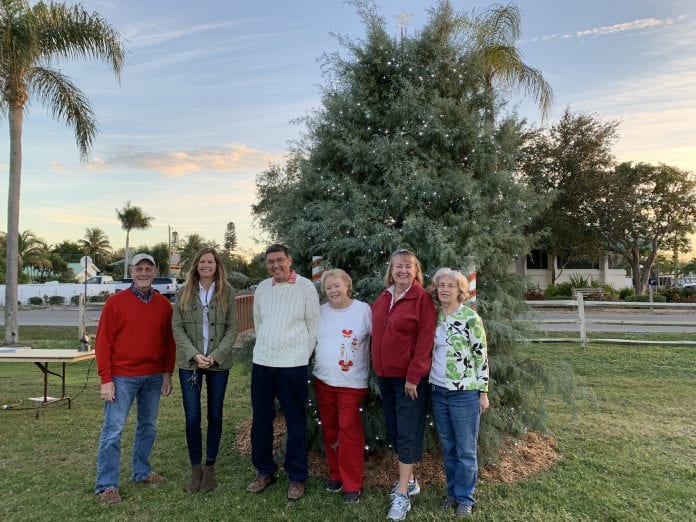 Holmes Beach tree lighting group