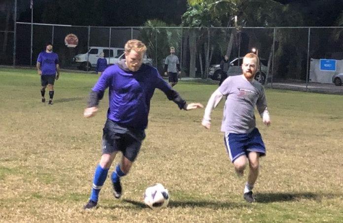 Center soccer Sato semi-finals