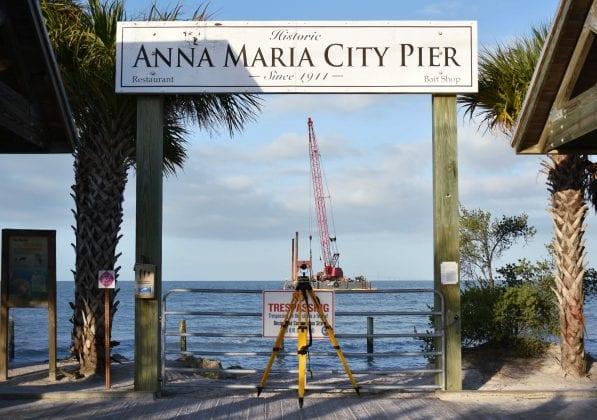 AM Pier Crane