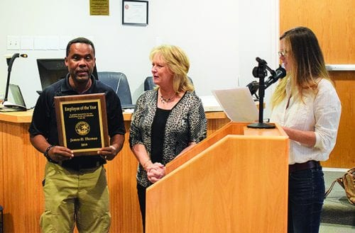 Mayor hands out 2019 city awards