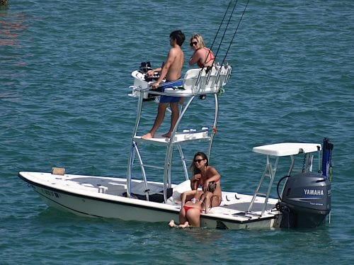 Social distancing not practiced by local boaters